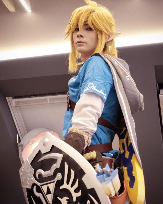 POV: Link wirft noch einen letzten Blick auf Zelda, bevor er in die Schlacht zieht